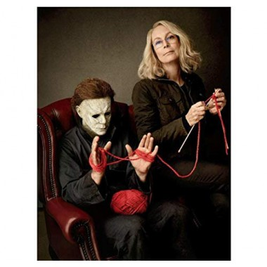 Halloween Jamie Lee Curtis as Laurie Strode knitting with Michael Myers 8 x 10 Inch Photo